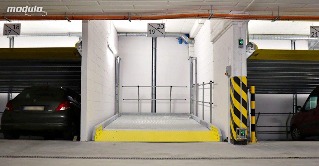 Platformy parkingowe MODULO Parker-S100 i MODULO Stacker-P10 w garażu podziemnym – 30 miejsc parkingowych.